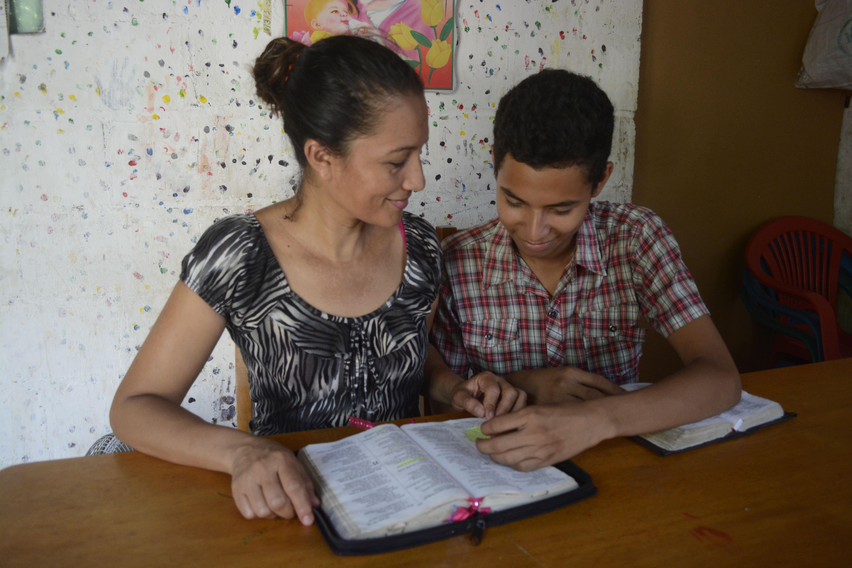 Bible study mother son El Salvador