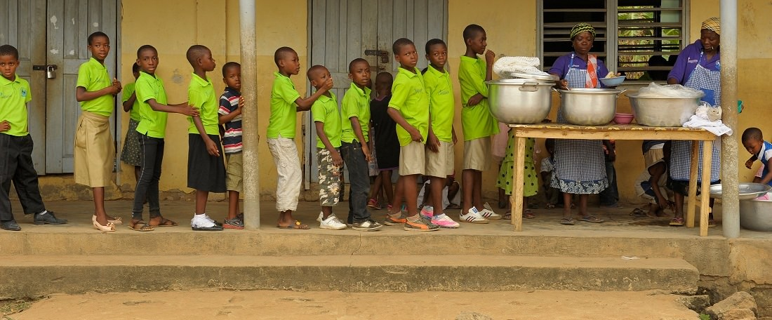 Ghanaian children queuing