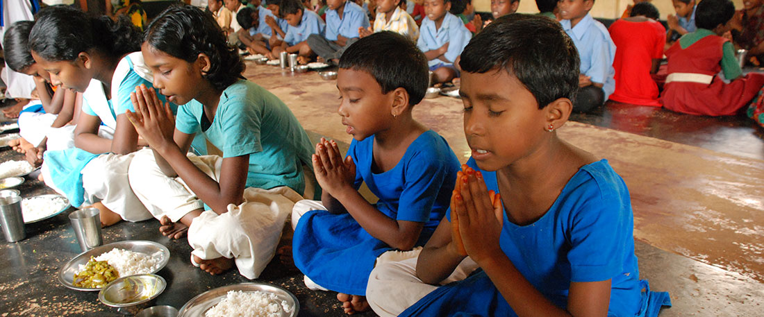 Children praying in Bangladesh