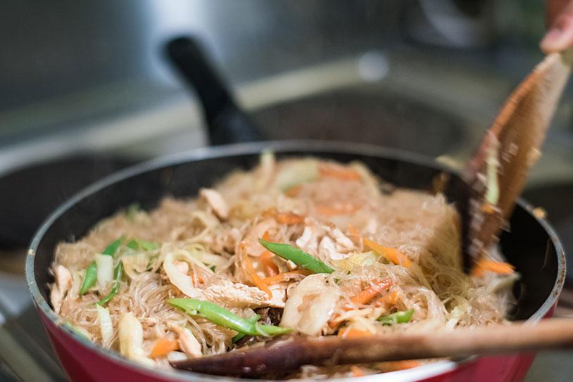 Cooking Pancit noodles