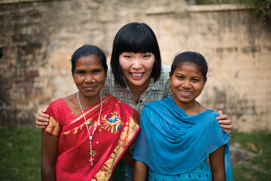 Dami Im meets her Compassion sponsored child