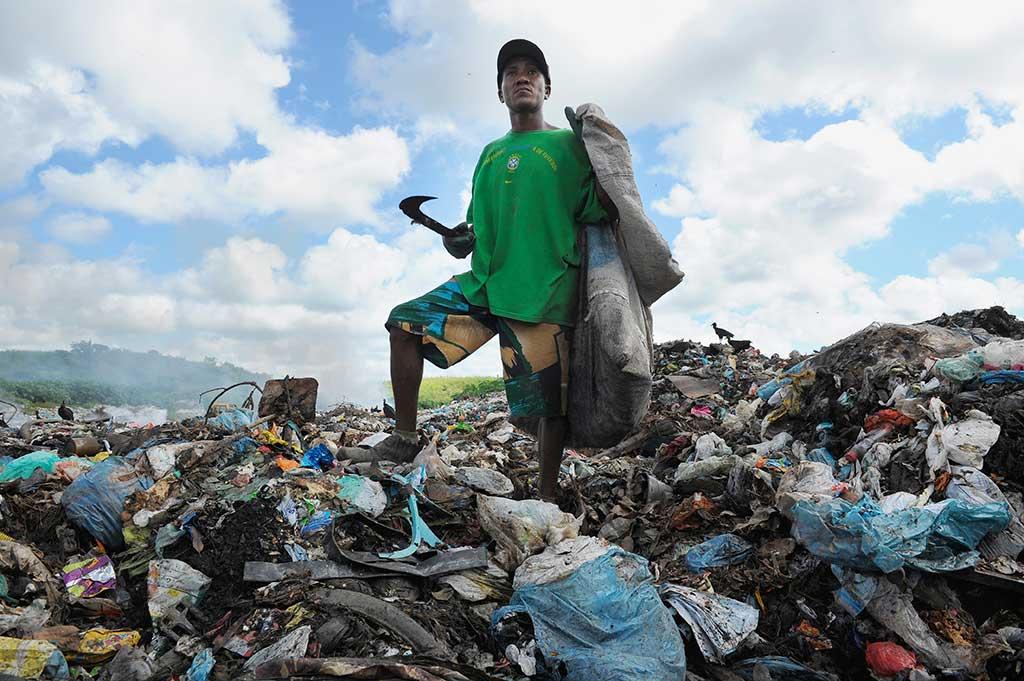 Rubbish picking in Brazil