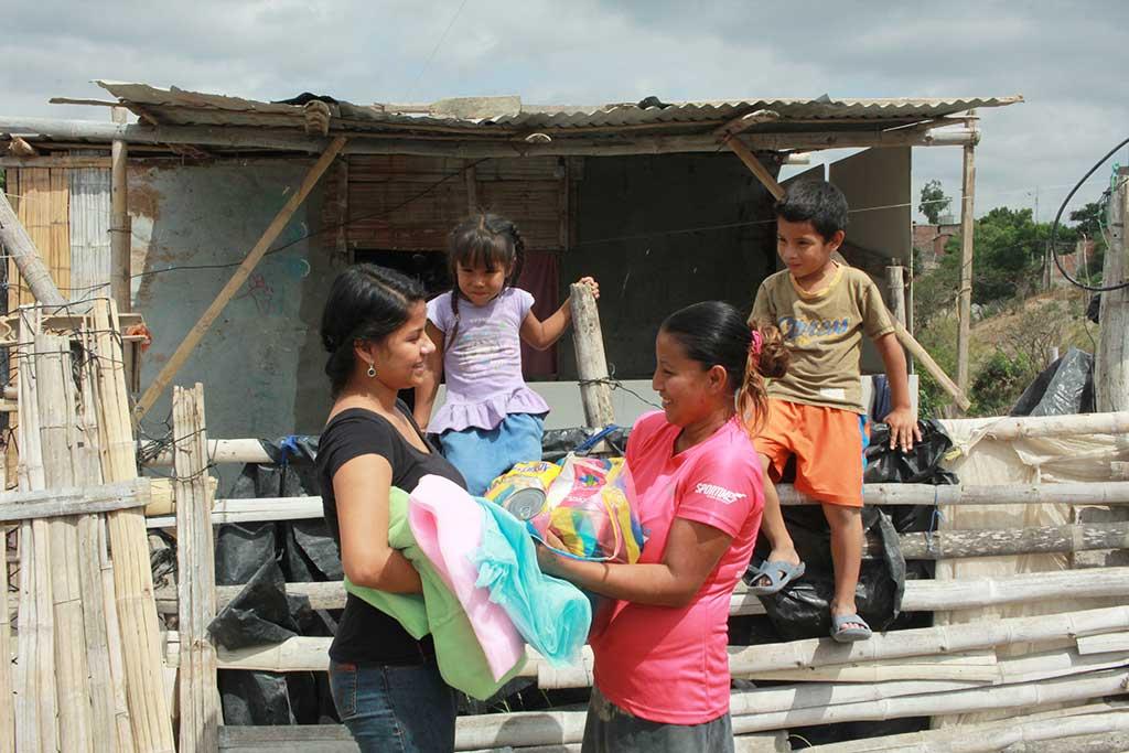 Distributing Ecuador earthquake supplies