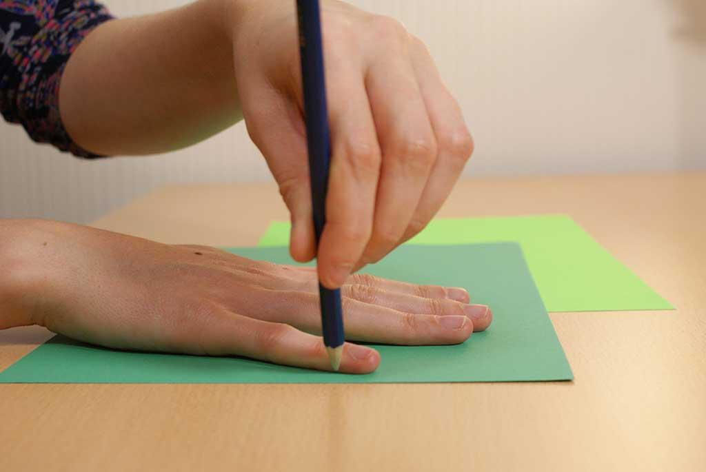 Drawing round hand