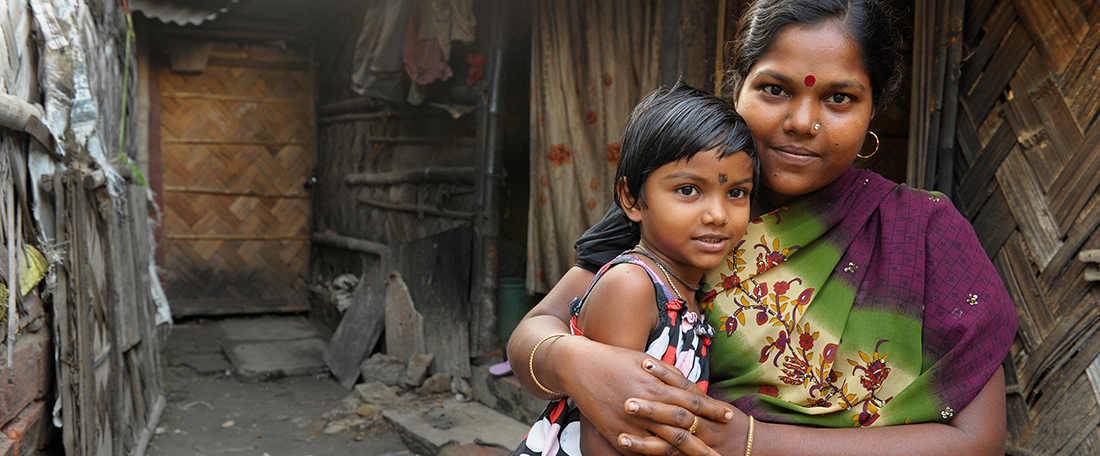 Mum and child in India